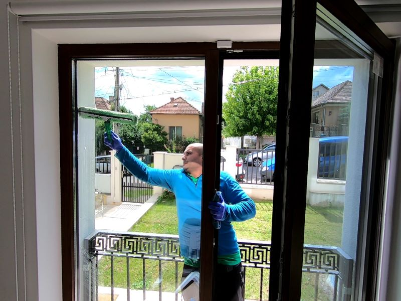Curatenie Fatade Spalare Geamuri Cluj